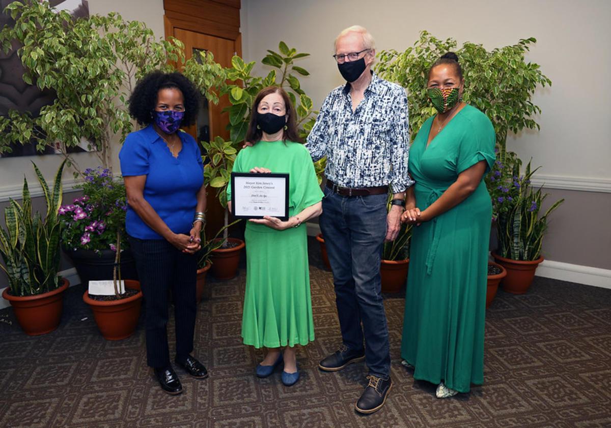 Uys 2nd Place Shade Garden - Award